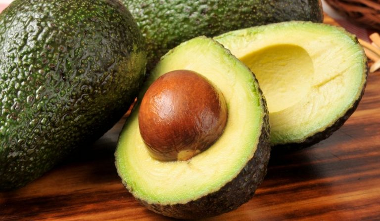 Should Avocados Be Hard? 7 Tips for Picking Avocados